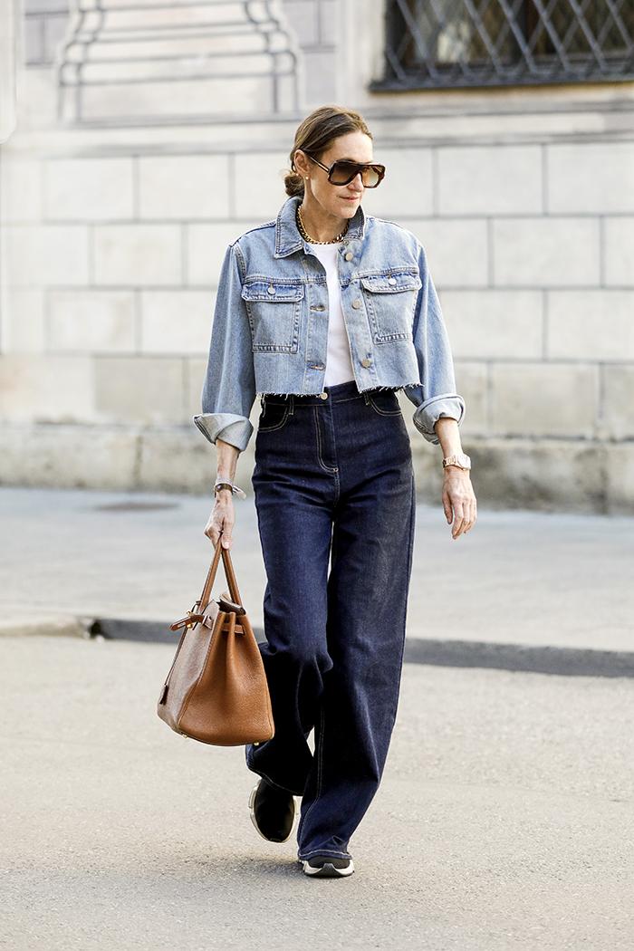 как и с чем носить широкие джинсы