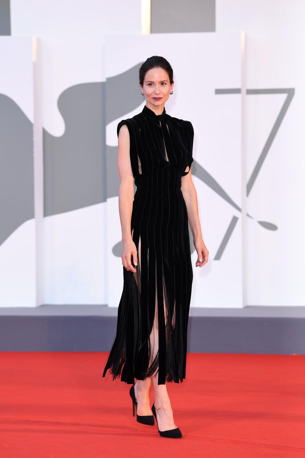 Венецианский кинофестиваль 2020. Кэтрин Уотерсон в Prada