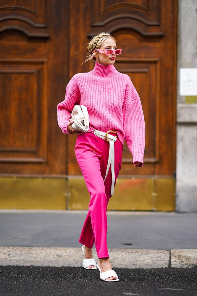как стильно и правильно носить свитер