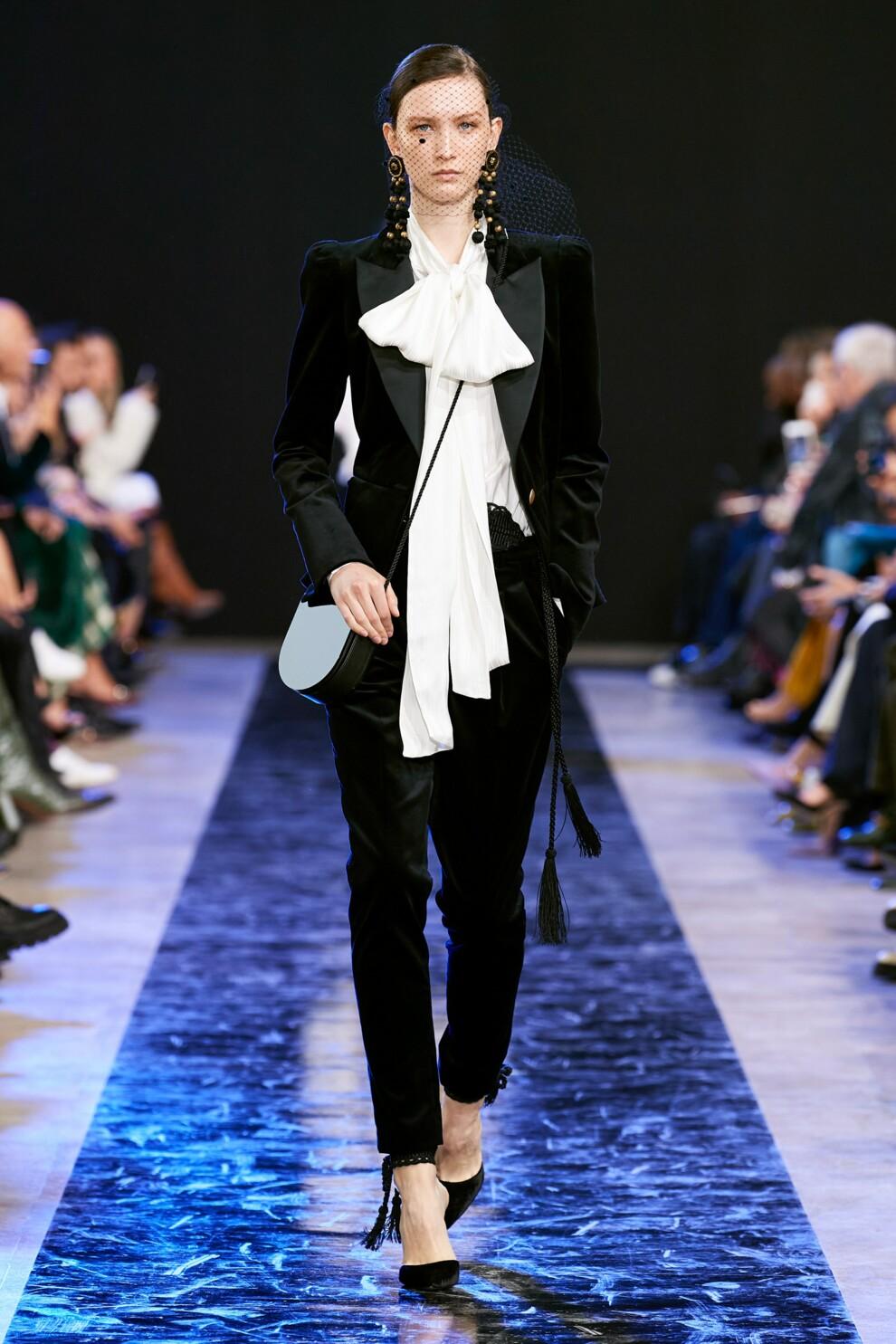 модный женский брючный костюм 2021