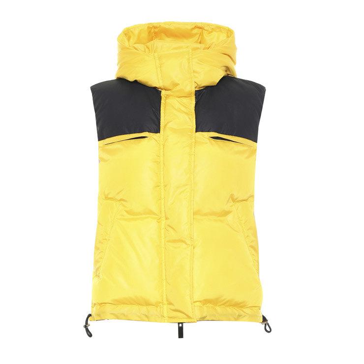 теплая желтая жилетка как носить