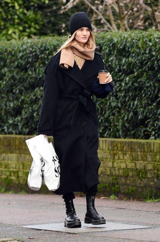 черное оверсайз пальто образ 2021