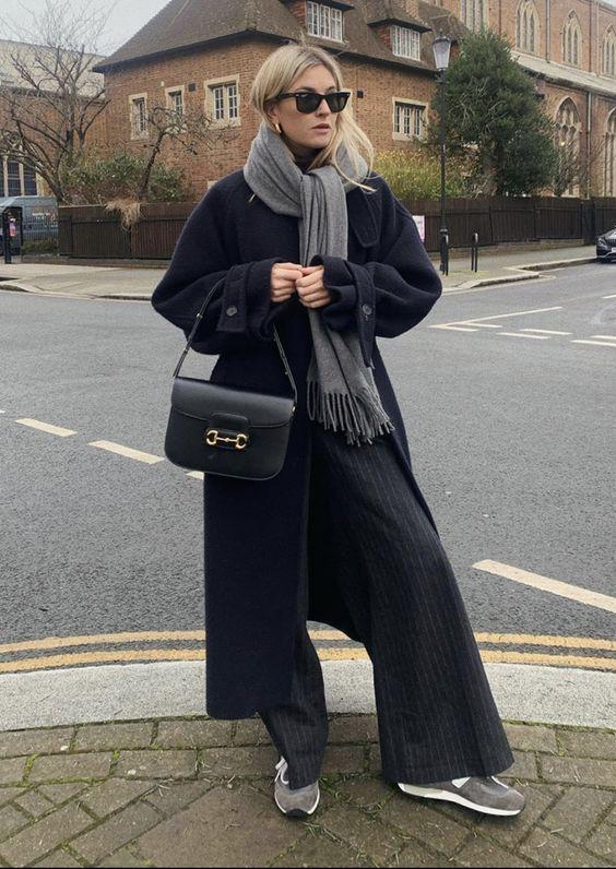 синее пальто 2021 как носить