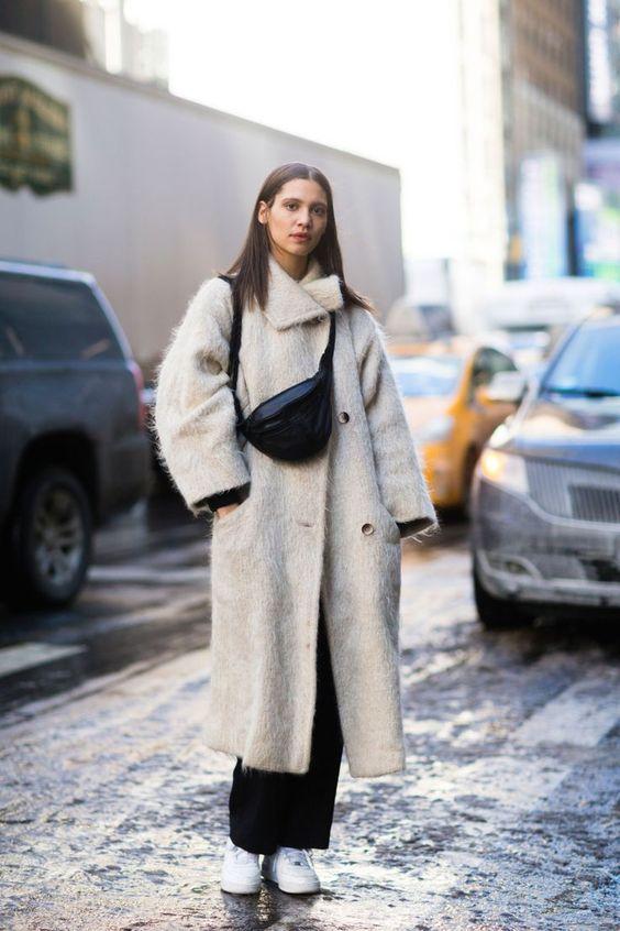 белое пальто образы на каждый день 2021
