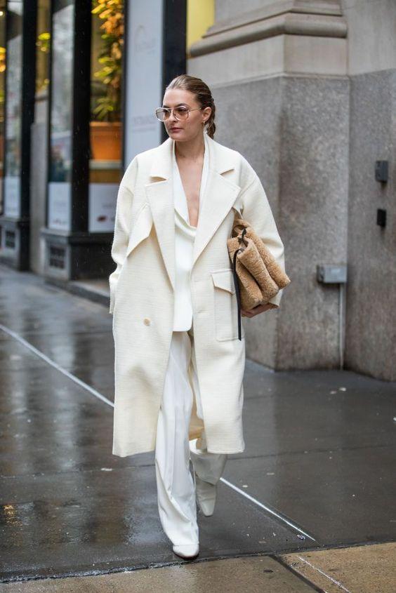 белое пальто образы 2021