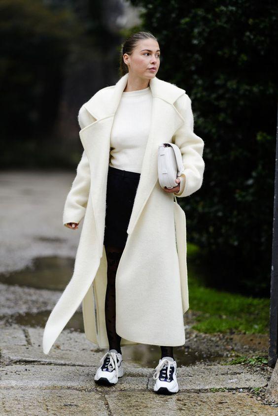 белое пальто 2021 как носить правильно