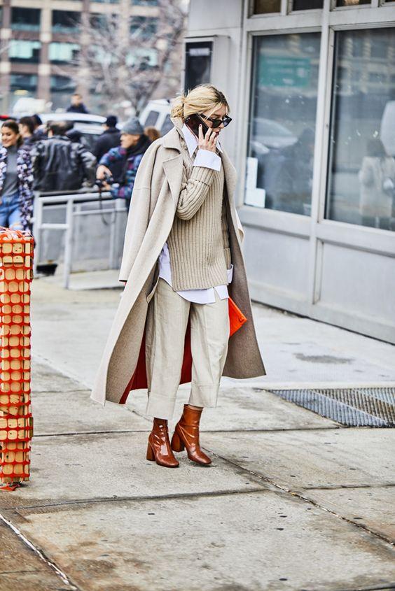 с чем носить бежевое пальто оверсайз 2021